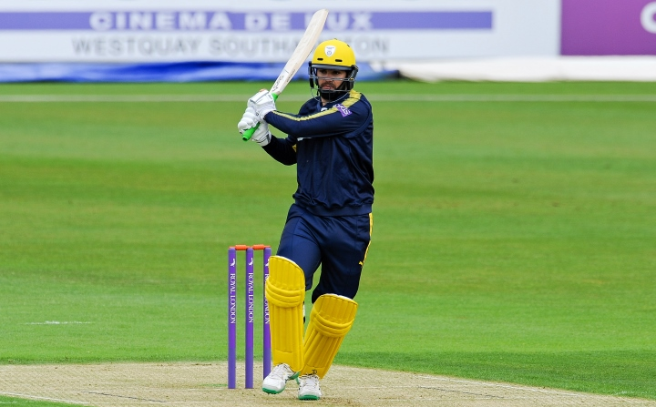Rossouw pulls the ball into the leg-side in Hampshire's One-Day Cup clash with Glamorgan at the Ageas Bowl in May 2017